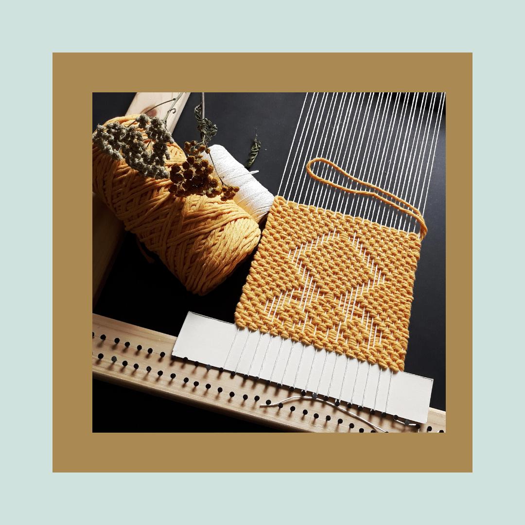 tkanie na ramie, tkanina geometryczna, pracownia tkacka Karolina Nowaczyk